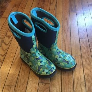 Bogs insulated owl boots, size 4